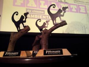 Troféus criados pelo Projeto Tear e Design Possível